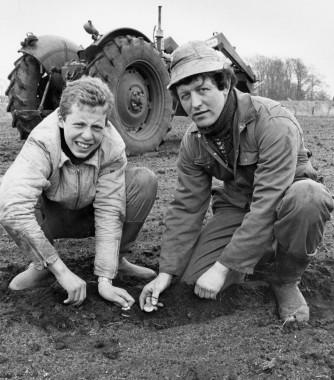 De to findere, fotograferet på fundstedet 1985. Foto: Jørgen Kølle.