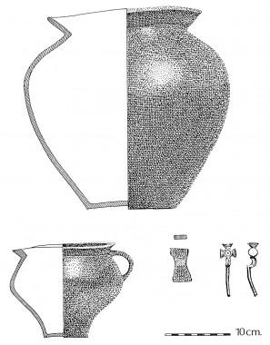 Fund fra en af gravpladsens tuegrave: Urne, bikar og bronzenål.