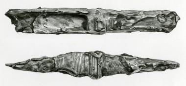 Øksen daterer graven til den mellemste del af ældre bronzealder ca. 1400-1300 f.Kr.