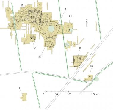 A: Ældste landsby  B:Yngste landsby  og gravplads. C: Landsbyledergård og -gravplads. D: Stormandsgård  og -gravplads. E: Enkeltgård. F:Krigergravplads.