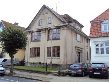 Huset er et eksempel på ny-klassicismen.