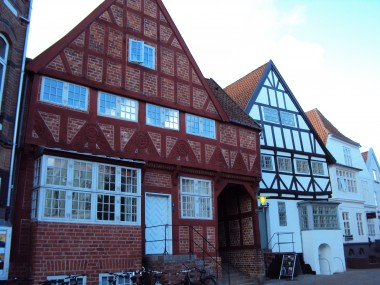 Genopført renæssancehus.