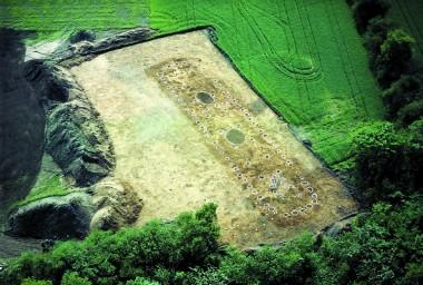 Hus 4, fra 1500-1400 f. Kr. set fra luften.