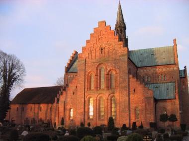 [:da]1. Løgumkloster kirkes østgavl, opført ca. 1225.[:de]1. Løgumkloster kirkes smukke østgavl, opført ca. 1225.[:]