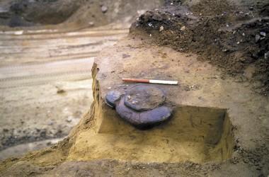 Og dermed blev bopladsen fra bronzealderen også opdaget og undersøgt i tide.