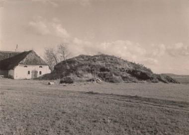 Højen som den så ud i 1935 umiddelbart før udgravningen.