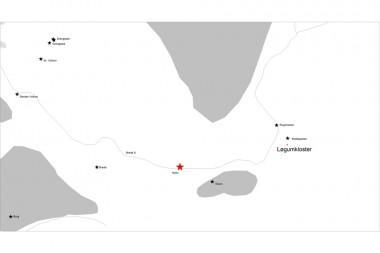 Stjernerne markerer landsbyer i området med jernudvinding. Grå = bakkeøer, hvid = hedesletten.