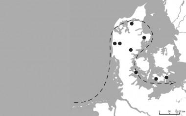 Grave med romersk import, fra begyndelsen af ældre romersk jernalder (1-40 e.kr.), er markeret med prikker. (Fra Grane 2007, 21, fig. 7).